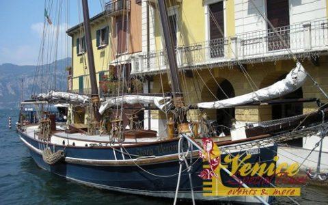 Malowniczy ślub nad jeziorem Garda - Malcesine - zdjęcie 05