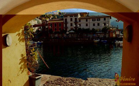 Malowniczy ślub nad jeziorem Garda - Malcesine - zdjęcie 12