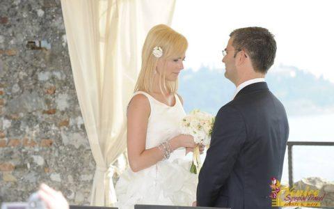 Ślub na tarasie zamku nad Jeziorem Garda - zdjęcie 01