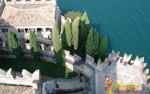 Ślub na tarasie zamku nad Jeziorem Garda - zdjęcie 02
