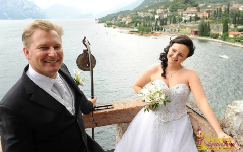 Ślub na tarasie zamku nad Jeziorem Garda - zdjęcie 06