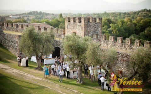 Ślub w sredniowiecznej twierdzy nad Jeziorem Garda - zdjęcie 01