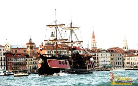 Ślub w Wenecji i szalone wesele w galeonie - zdjęcie 44