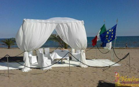 Ślub nad morzem Adriatyckim - VeniceSpecial.com - namiot slubny na plaży